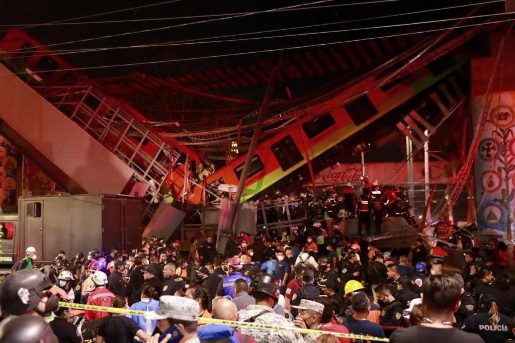 Un pont s'effondre sous le poids d'un métro à Mexico, plus de 20 morts
